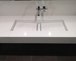 Plan Vasque Silestone Calacatta Gold Cuve Reflection Miroir Argent